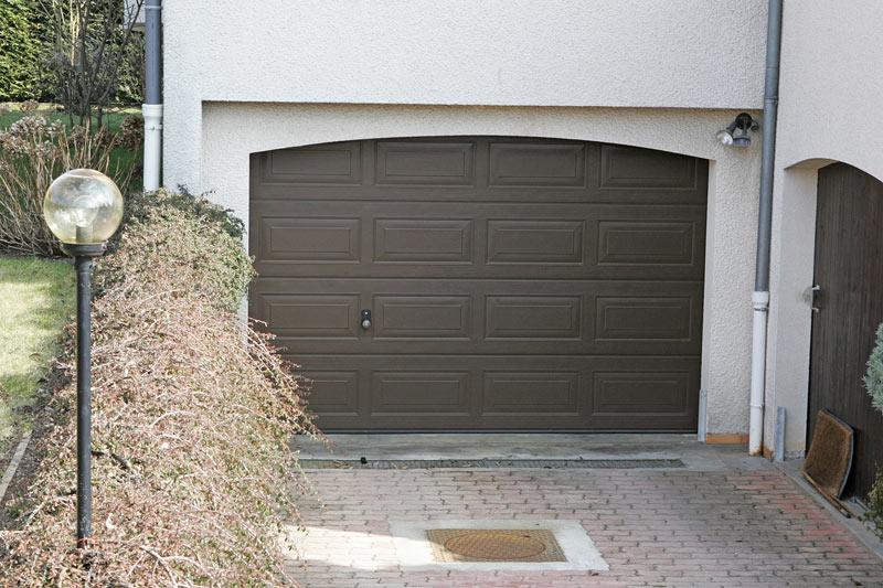 Porte de garage en PVC, bois ou alu : Quel matriau choisir? Bien